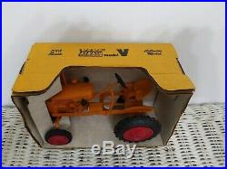 1/16 Toy Tractor Times Minneapolis Moline V Tractor