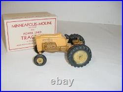 1/25 Vintage Minneapolis Moline 445 Powerlined Tractor (1958) WithBox