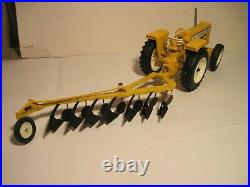 Minneapolis-Moline Farm Toy Tractor 1/16 G550 with MM Plow SHARP Set