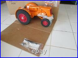 Minneapolis Moline UTS 1/16 Limited ND Edition Tractor Scale Model #2470 of 5000